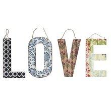 Декоративная надпись LOVE