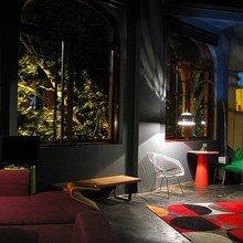 Фотография: Гостиная в стиле Лофт, Квартира, Австралия, Цвет в интерьере, Дома и квартиры, Черный, Картины – фото на InMyRoom.ru