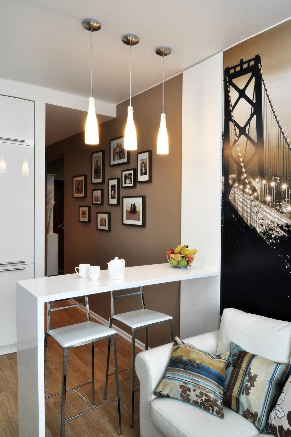 Фотография: Мебель и свет в стиле Лофт, Современный, Малогабаритная квартира, Квартира, Цвет в интерьере, Дома и квартиры, Белый, Переделка – фото на InMyRoom.ru