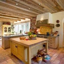 Фотография: Кухня и столовая в стиле Кантри, Декор интерьера, Дом, Декор, Особняк, Шале – фото на InMyRoom.ru