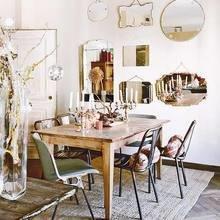 Фотография: Кухня и столовая в стиле Кантри, Декор интерьера, Декор, Праздник, Новый Год, Свечи, Зеркало, Гирлянда – фото на InMyRoom.ru