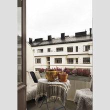 Фотография: Балкон, Терраса в стиле Скандинавский, Малогабаритная квартира, Квартира, Дома и квартиры – фото на InMyRoom.ru