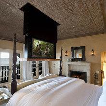 Фотография: Спальня в стиле Кантри, Классический, Современный, Декор интерьера, Дом, Дома и квартиры, Интерьеры звезд – фото на InMyRoom.ru