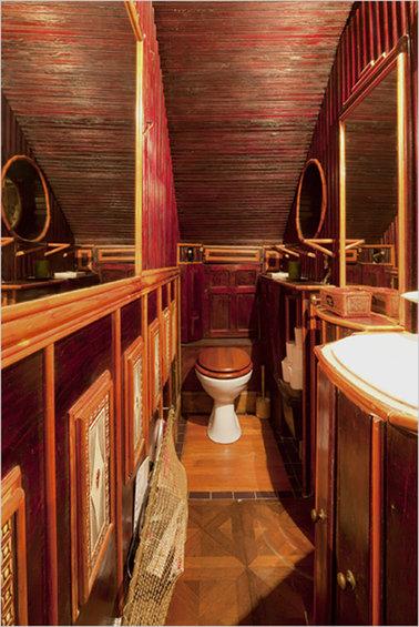 Фотография: Ванная в стиле Прованс и Кантри, Дом, Дома и квартиры, Лестница – фото на InMyRoom.ru