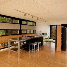 Фотография: Кухня и столовая в стиле Современный, Декор интерьера, Декор дома, Пол – фото на InMyRoom.ru