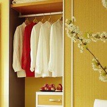 Фотография: Гардеробная в стиле Современный, Спальня, Интерьер комнат, Мебель и свет, Переделка – фото на InMyRoom.ru