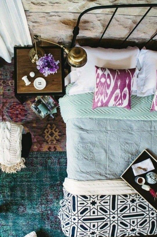Фотография: Прочее в стиле , Спальня, Интерьер комнат, Подушки, Ковер – фото на InMyRoom.ru