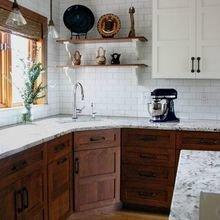 Фотография: Кухня и столовая в стиле Кантри, Мебель и свет, Советы, Ремонт на практике – фото на InMyRoom.ru