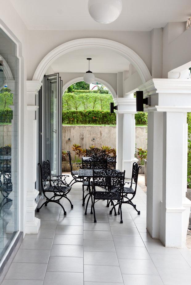 Фотография: Балкон, Терраса в стиле Классический, Современный, Интерьер комнат – фото на INMYROOM