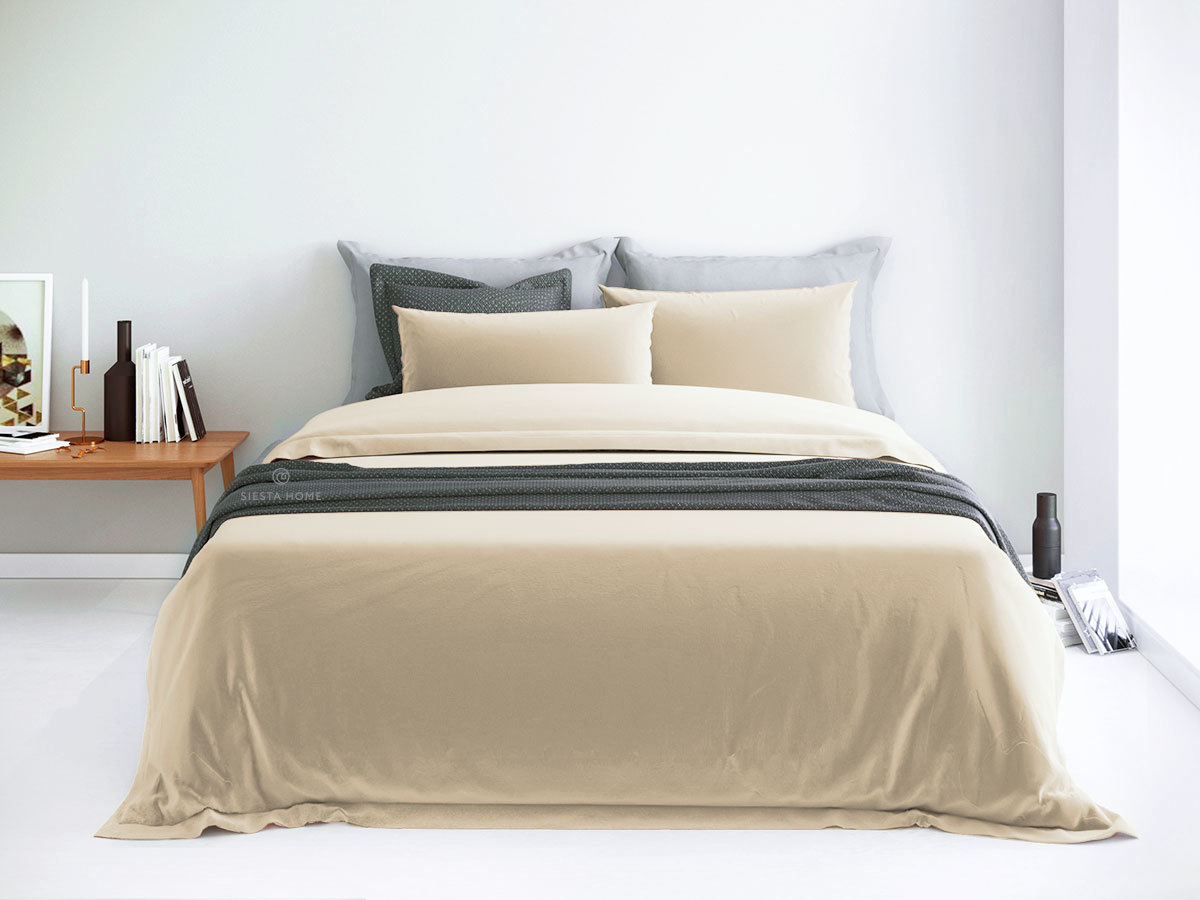Комплект постельного белья кремового цвета, простынь 160х200 на резинке