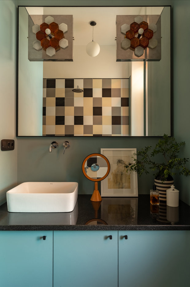 Фотография: Ванная в стиле Современный, Квартира, Проект недели, Москва, Зеленый, Кирпичный дом, 2 комнаты, 40-60 метров, PROPERTY LAB+ART – фото на INMYROOM