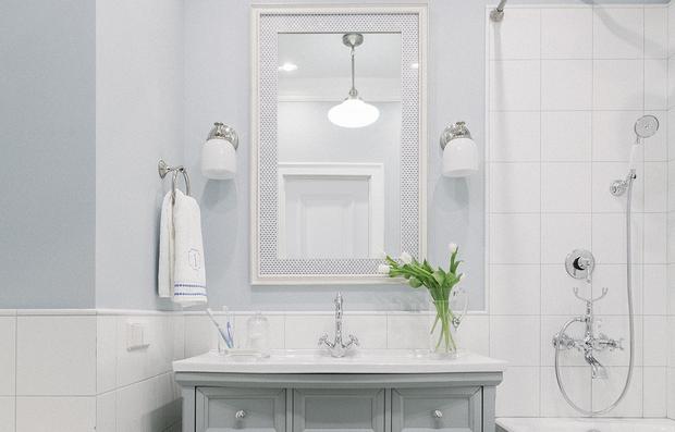 Фотография: Ванная в стиле Классический, как сэкономить, сэкономить на покупке квартиры, как сэкономить на покупке квартиры, сэкономить на ремонте, как экономить воду, экономия, #каксэкономить, как сэкономить на ремонте, как сэкономить электричество – фото на INMYROOM