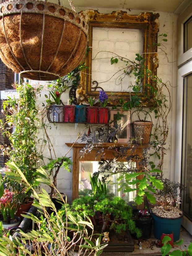 Фотография: Декор в стиле Прованс и Кантри, Балкон, Ландшафт, Терраса, Советы, Мария Шумская, Есения Семипядная, элегантный городской балкон, винтажные вещи на балконе, восточный декор для балкона, балкон в средиземноморском стиле, ландшафтный дизайн для балкона, горизонтальное озеленение, хвойные растения на балконе – фото на InMyRoom.ru