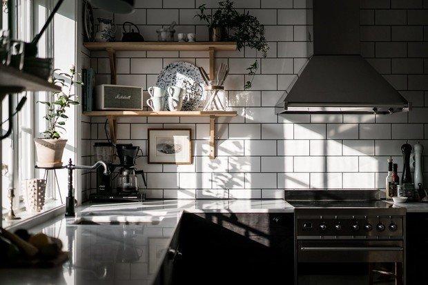 Фотография: Ванная в стиле Скандинавский, Современный, Декор интерьера, Дом, Швеция, Серый, Гетеборг, нейтральные тона в отделке, как оформить дом в современном стиле, 4 и больше, Более 90 метров – фото на INMYROOM