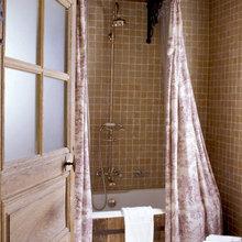 Фотография: Ванная в стиле Кантри, Декор интерьера, Франция, Дома и квартиры, Городские места, Отель, Прованс – фото на InMyRoom.ru
