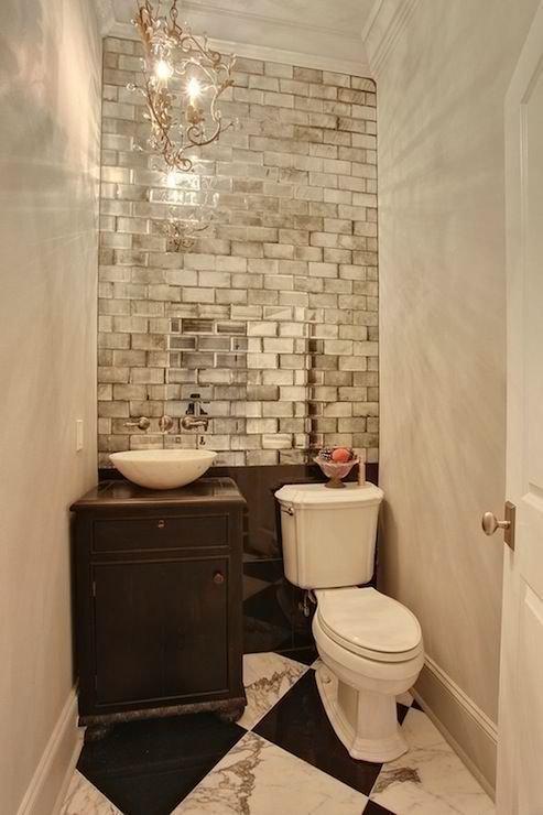 Фотография: Ванная в стиле Прованс и Кантри, Малогабаритная квартира, Интерьер комнат, Советы, Зеркала – фото на InMyRoom.ru