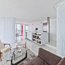 Фотография: Гостиная в стиле Современный, Квартира, Цвет в интерьере, Дома и квартиры, Белый, Панорамные окна – фото на InMyRoom.ru