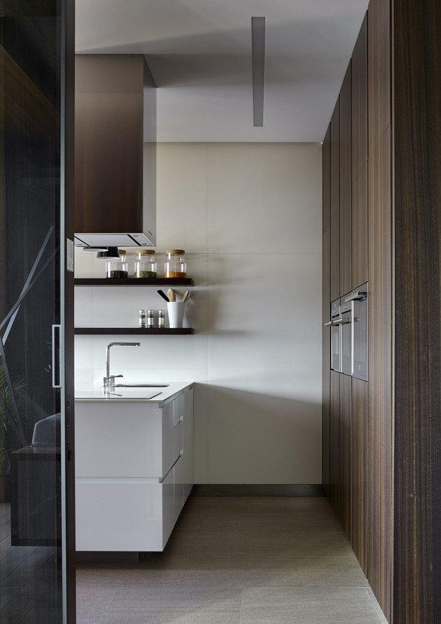 Фотография: Кухня и столовая в стиле Минимализм, Квартира, Проект недели, Москва, Макс Касымов – фото на InMyRoom.ru