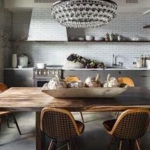 Фотография: Кухня и столовая в стиле , Классический, Декор интерьера, DIY, Мебель и свет, Советы, Люстра – фото на InMyRoom.ru