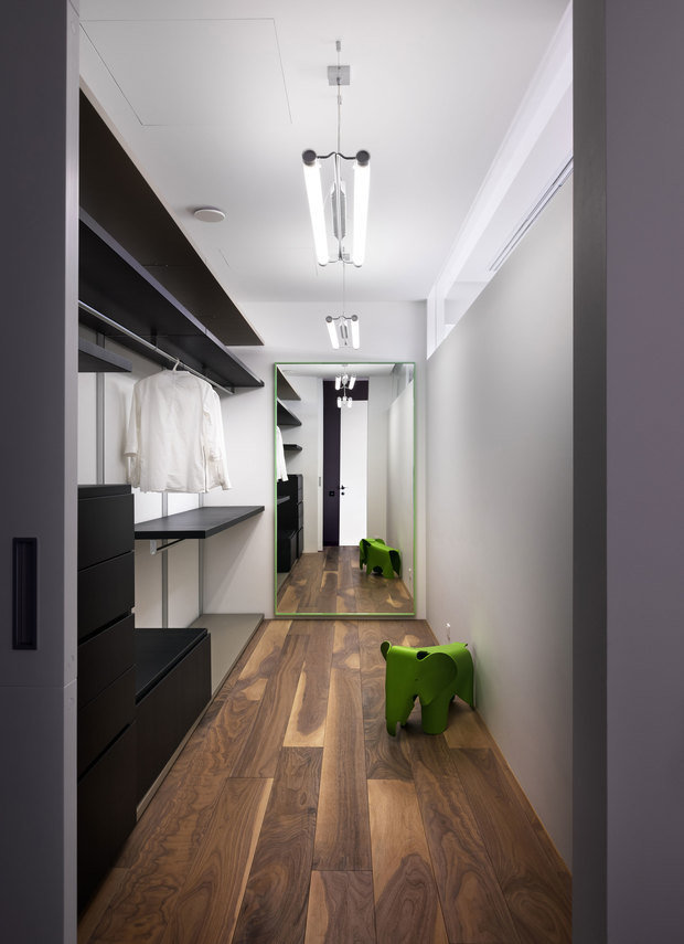 Фотография: Гардеробная в стиле Современный, Проект недели, 4 и больше, Более 90 метров – фото на INMYROOM