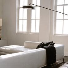 Фотография: Гостиная в стиле Хай-тек, Декор интерьера, Малогабаритная квартира, Квартира, Дома и квартиры, Советы, Зеркало – фото на InMyRoom.ru