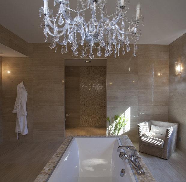 Фотография: Гостиная в стиле Классический, Современный, Ванная, Квартира, Проект недели, Бежевый, Коричневый – фото на InMyRoom.ru