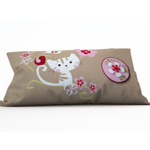 Дизайнерская подушка: Удивленный котенок