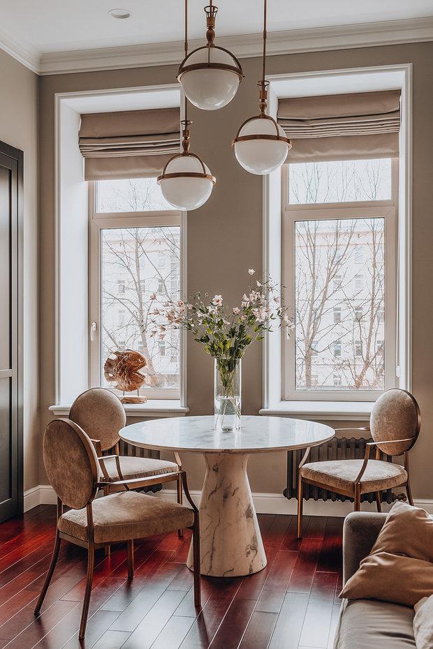 Фотография: Кухня и столовая в стиле Классический, Современный, Квартира, Проект недели, Санкт-Петербург, 3 комнаты, 60-90 метров, Наталья Комова – фото на INMYROOM