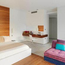 Фотография: Спальня в стиле Современный, Кабинет, Интерьер комнат – фото на InMyRoom.ru