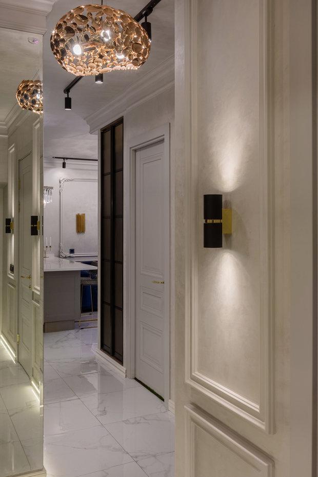 Фотография: Прихожая в стиле Современный, Квартира, Проект недели, Samsung, 3 комнаты, 40-60 метров, интерьерный телевизор, the serif, Оксана Нечаева – фото на INMYROOM
