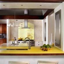 Фотография: Кухня и столовая в стиле Современный, Эклектика, Дом, США, Дизайн интерьера, Неон – фото на InMyRoom.ru