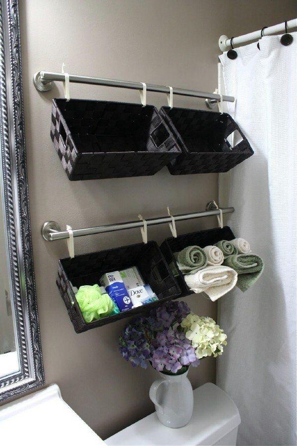 Фотография:  в стиле , Ванная, Декор интерьера, DIY, Малогабаритная квартира, Квартира, Декор, Советы, хранение в прихожей, лайфхак, хранение в маленькой ванной, идеи хранения для санузла, маленький санузел – фото на InMyRoom.ru