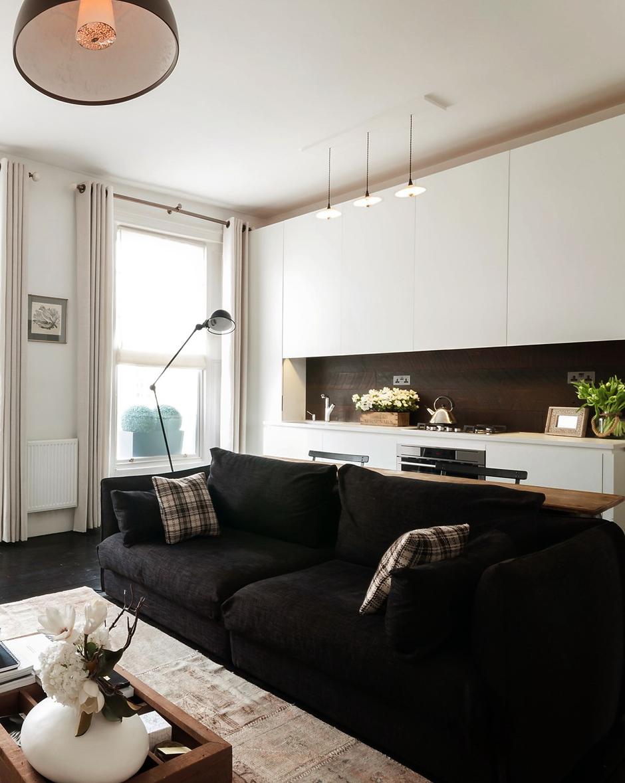Фотография: Гостиная в стиле Лофт, Классический, Малогабаритная квартира, Квартира, Цвет в интерьере, Дома и квартиры, Белый – фото на InMyRoom.ru