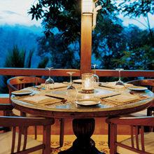 Фотография: Кухня и столовая в стиле Кантри, Дома и квартиры, Городские места, Отель, Бали – фото на InMyRoom.ru
