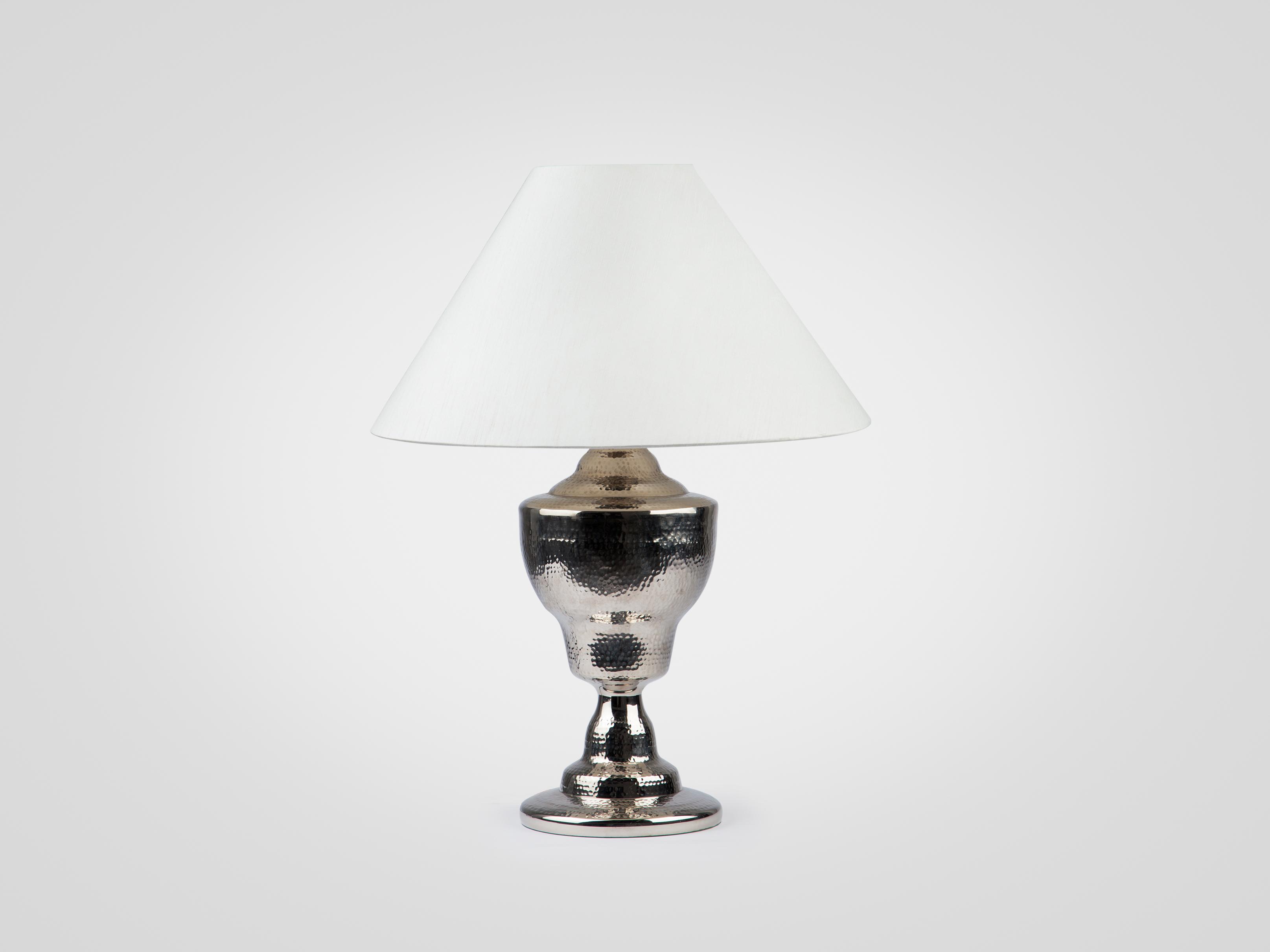 Купить Лампа настольная на серебристой ножке из металла с белым абажуром, inmyroom, Филиппины