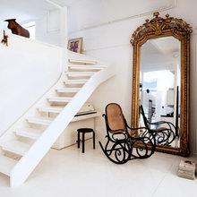 Фотография: Декор в стиле Кантри, Скандинавский, Декор интерьера, Швеция, Декор дома, Цвет в интерьере, Белый – фото на InMyRoom.ru