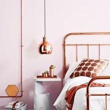 Фотография: Спальня в стиле Лофт, Декор интерьера, Мебель и свет, Цвет в интерьере, Белый – фото на InMyRoom.ru