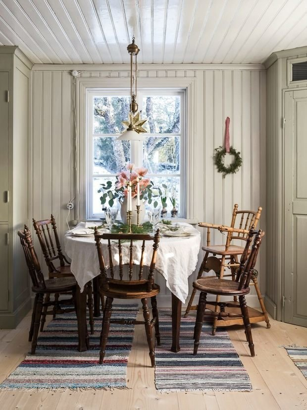 Фотография: Кухня и столовая в стиле Прованс и Кантри, Скандинавский, Декор интерьера, Дом, Белый, Зеленый, Серый, Дом и дача – фото на INMYROOM