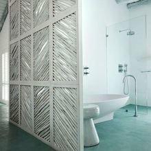 Фотография: Ванная в стиле Современный, Декор интерьера, Мебель и свет, Перегородки – фото на InMyRoom.ru