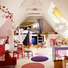 Фотография: Детская в стиле Современный, Дом, Мебель и свет, Дача, Дом и дача, как обустроить мансарду, идеи для мансарды – фото на InMyRoom.ru