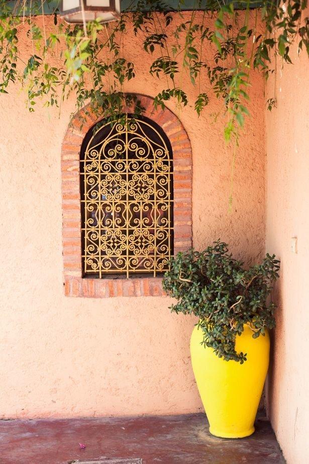 Фотография: Балкон, Терраса в стиле , Декор интерьера, Дизайн интерьера, Цвет в интерьере, Желтый – фото на InMyRoom.ru