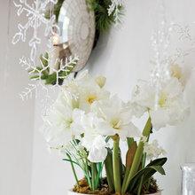 Фотография: Флористика в стиле , Декор интерьера, Праздник, Камин, Новый Год, Свечи – фото на InMyRoom.ru