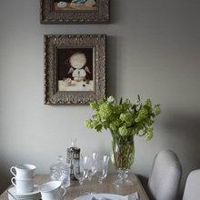 Фотография: Кухня и столовая в стиле Кантри, Дом, Цвет в интерьере, Дома и квартиры, Белый, Большие окна – фото на InMyRoom.ru