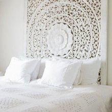 Фотография: Спальня в стиле Восточный, Декор интерьера, Декор дома, Подушки, Кровать – фото на InMyRoom.ru