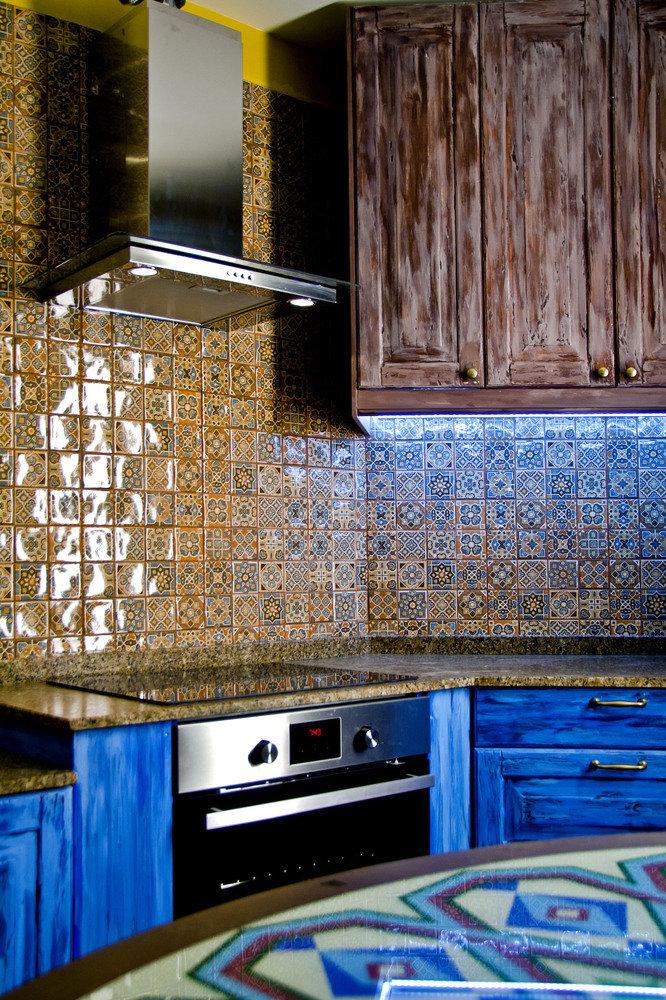 Голубая кухня в стиле арт-деко