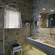 Фотография: Ванная в стиле Кантри, Современный, Декор интерьера, Дом, Италия, Дома и квартиры, Реставрация – фото на InMyRoom.ru