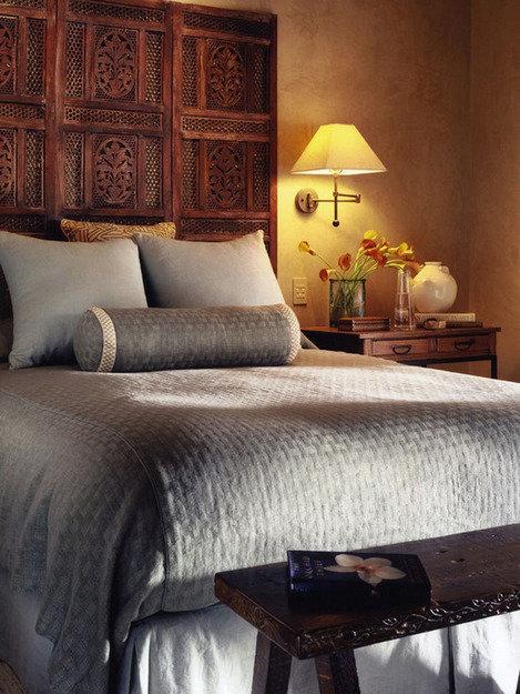 Фотография: Спальня в стиле Прованс и Кантри, Декор интерьера, Интерьер комнат, Кровать – фото на InMyRoom.ru