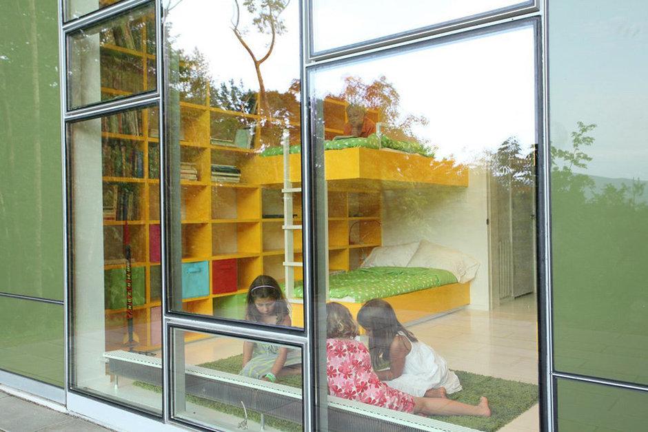 Фотография: Детская в стиле Современный, Дом, Дома и квартиры, Панорамные окна – фото на InMyRoom.ru