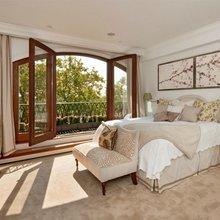 Фотография: Спальня в стиле Современный, Декор интерьера, Декор дома, Советы, Большие окна, Панорамные окна – фото на InMyRoom.ru