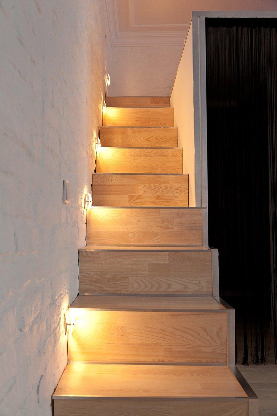 Фотография: Мебель и свет в стиле , Лофт, Малогабаритная квартира, Квартира, Цвет в интерьере, Дома и квартиры, Стены – фото на InMyRoom.ru